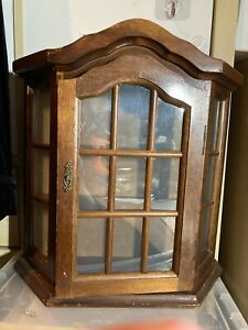 SMALL  WALL CUPBOARD DISPLAY CABINET CURIOS COLLECTABLES DISPLAY