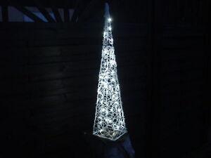 90cm Pyramide mit 60 LED Beleuchtung Deko Lichterpyramide kaltweiß weiß Leuchte