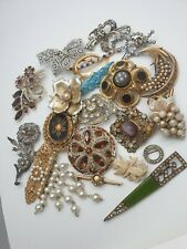 Antique, Deco, Vintage Jewellery Collection of Brooches