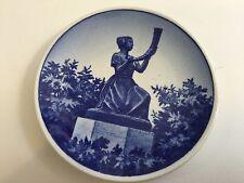 """Royal Copenhagen Denmark Pigen Med Guldhornet 83-2010 Mini Plate, 3"""" Diameter"""