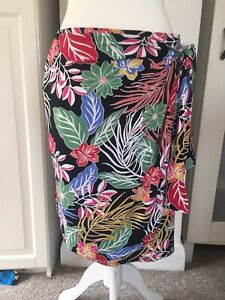 Cynthia Rowley black floral stretch skirt – Size large