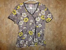 SKECHERS MEDICAL SCRUBS FLORAL SCRUB TOP SIZE M (2 POCKETS) STYLE 25726 SCNS