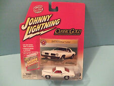 1973 Pontiac GTO series CLASSIC GOLD by JOHNNY LIGHTNING NEW