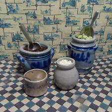 3 Alte STEINZEUG-Töpfe ü 1 Schmalztopf für Puppenküche, graublaue Vorratsgefäße