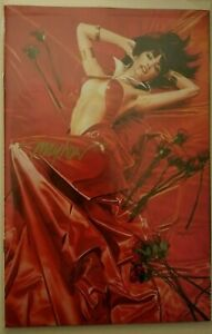 """VAMPIRELLA: ROSES FOR THE DEAD #1 Mike Mayhew Variant SIGNED Cover """"A"""" LTD 500"""