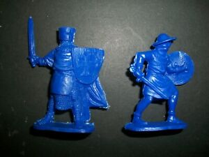 RUSSIAN MADE TWO 54MM PLASTIC KNIGHTS, 100 YEARS WAR