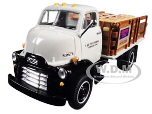 1952 GMC COE STAKE TRUCK WITH SACK LOAD 1/34 DIECAST MODEL BY FIRST GEAR 19-4110