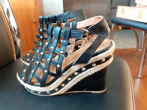 ATMOSPHERE STUDDED BLACK WEDGE SANDALS SHOES 5
