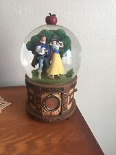 """Disney Snow Globe SNOW WHITE AND PRINCE CHARMING """"SOMEDAY MY PRINCE WILL COME"""""""