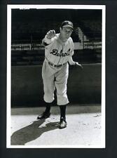 Photos Sports Mem, Cards & Fan Shop HALL OF FAMER YANKEES  JOE GORDON HIT 253 HOMERS WAS AL MVP IN 1942 8x10
