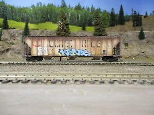 Ho weathered freight cars custom covered hopper Walther's proto series.