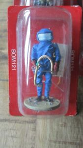 Del Prado-Figurine collector-Pompier tenue lutte contre les hyménoptères-2010-