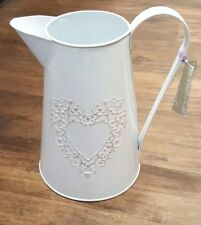 SHABBY CHIC VINTAGE WHITE  METAL TIN JUG  WITH CREAM HEART DESIGN