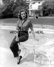 Lauren Bacall 5  portrait photo photo - PRICE PER PHOTO