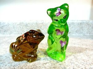 Lot of 2 Fenton Hand Painted Autumn Gold Frog & Key Lime Green Grooming Cat New