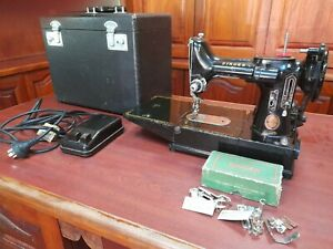 1963 Vintage Singer 222K Portable Featherweight Sewing Machine