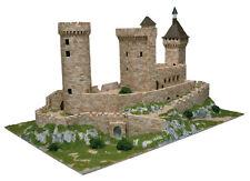 Aedes 1010. Maqueta Castillo de Foie. Construccion de ladrillos
