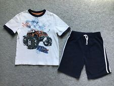 Boy's Jumping Beans Outfit Size Medium 5/6