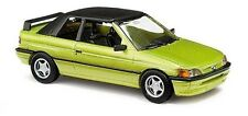 BUSCH 45708 Ford Escort Cabrio (1991) in hellgrünmetallic 1:87/H0 NEU/OVP