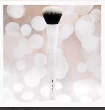NEW Crown Deluxe Pro Blush Brush White AUTHENTIC