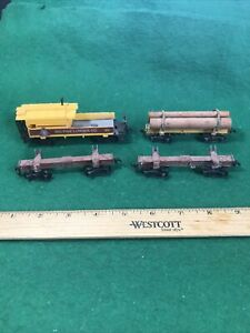 HO Roundhouse 3 Skeleton Log Cars  1 Custom Buggy Nice (HO86128)