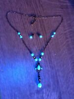 ART DECO NECKLACE EARRINGS SET, URANIUM GLASS PEARLS, UV TRANSFORMATION !  #147