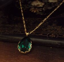 Vintage Emerald Green Teardrop Crystal Pendant Necklace Gold Plated.