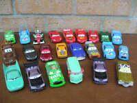 """Lot de 23 voitures en métal Disney """"Cars"""" différentes ech 1/43"""
