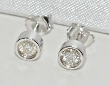 Beautiful 9ct White Gold 0.25ct Diamond Solitaire Stud Earrings