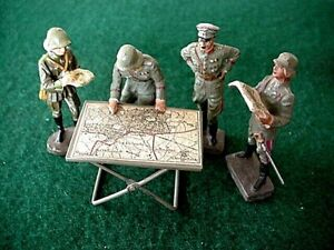 RARE GERMAN Elastolin & Lineol Soldiers with folding map table