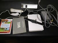 Wii Sports & Nintendo RVL-101 Wii Console - White Tested Working
