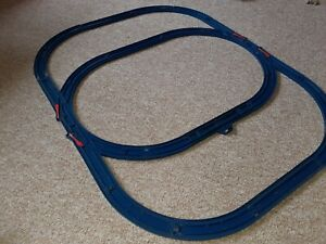 Tomy Tomica Trackmaster Thomas & friends dark blue track trainset. 20 items