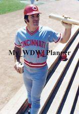 Vintage Photo 35 - Cincinnati Reds - Pete Rose Drinking A Beer On The Field