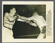 Carmen Basilio signed 1956 original boxing wire photo
