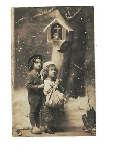 MC3638 LITTLE GYPSY KIDS PRAYING FOR ALTAR IN THE TREE RPPC