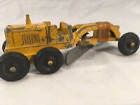 """Tootsie Toy 1950s, RARE Road Grader Yellow good condition - 5.5"""" Long"""