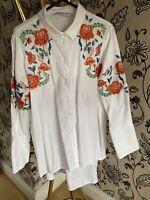Zara Long Dip Hem White T Shirt Long Sleeve Floral Button Up Blouse Size M