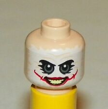 LEGO 76023 - Minifig, Head White Mask with Green Eyes, Red Scars - Joker