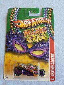 2011 Hot Wheels Mardi Gras CANYON CARVER Gold 6/6 BENT CARD