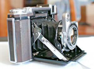 Zeiss Ikon Super Ikonta B Camera with 2 Close Up Lens Sets