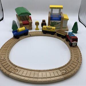 Thomas Wooden Sodor Honey & Arlesdale Barrel Co Lorry I Train, Sodor Fuel, Track