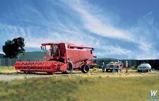 11003 Walthers SceneMaster Farm Combine w/Grain & Corn Heads - Kit Ho Scale