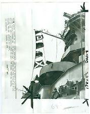 Feb 1950 Battleship USS Missouri Raises Battle Flags After 2 Weeks STUCK IN MUD
