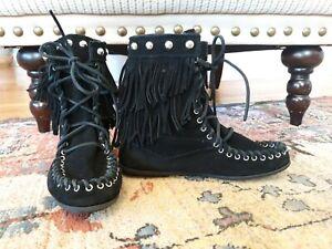 Minnetonka 6 Women's Moccasin Ankle  Boots Black Suede Studded Fringe  Size 6