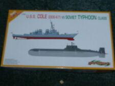 Dragon Cyber Hobby 1:700 USS Cole & soviético tifón clase Modelo Kit 7107