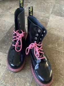 Dr. Doc Martens Pascal black patent leather pink accents sz 10, nwob