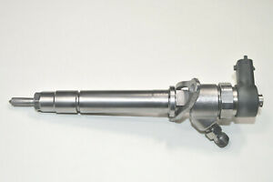 VOLVO S60 V70 S80 XC70 XC90 2.4 D5 INJECTOR 8658352, 0445110078