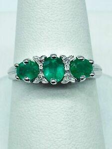 Handgefertigter Ring aus 14 kt Weißgold - 1,20 ct Smaragde - Diamanten