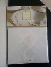 "lenox tablecloth 70"" round white"