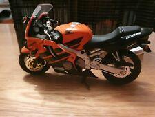 Honda CBR600 F4 Motorrad Modell 1:18 Maisto